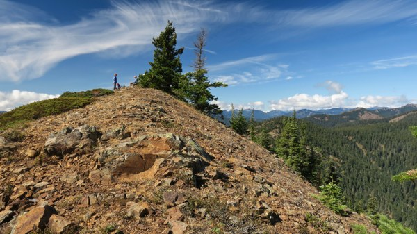 20180917-8_Mount_Baldy_summit_and_hikers.jpg