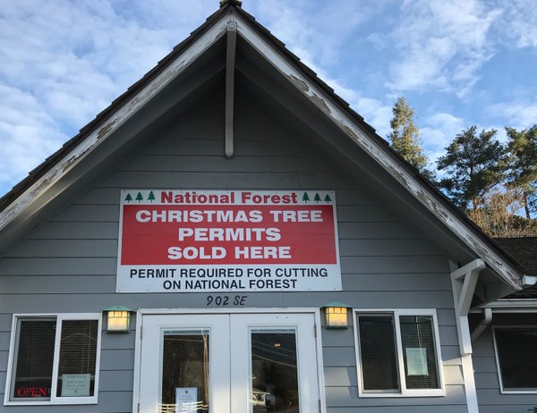 North Bend ranger station with Xmas tree sign