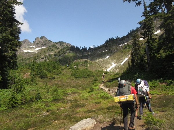 Shannon Ridge Trail to the Notch