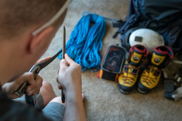 Sharpening ice tools and crampons