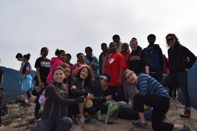 Mountain Workshops youth from Middle College hike Rattlesnake, May 2015
