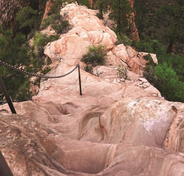 A particularly heart-stopping stretch of trail at Angels Landing p120_cropped.jpg