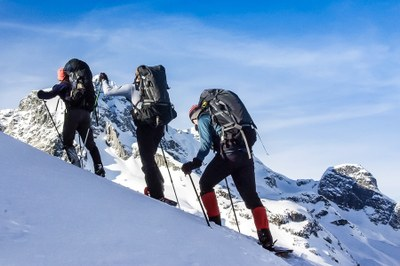 Intermediate Snowshoeing Course - Foothills - 2020