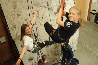 Seattle Junior MAC Lead Belaying and Climbing Workshop