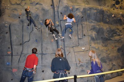 Broadview Shelter Climbing