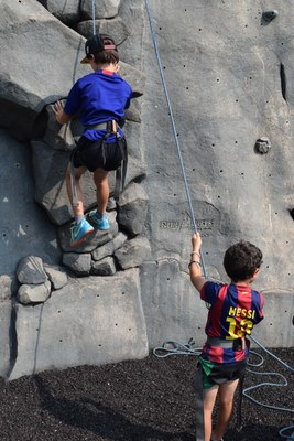 Learn to Climb - For Families - Mountaineers Seattle Program Center